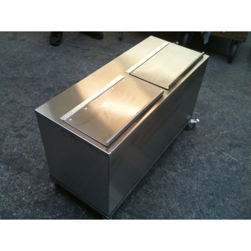 Deluxe Galvanised Feed Bin on Wheels - Single with Galvanised Finish
